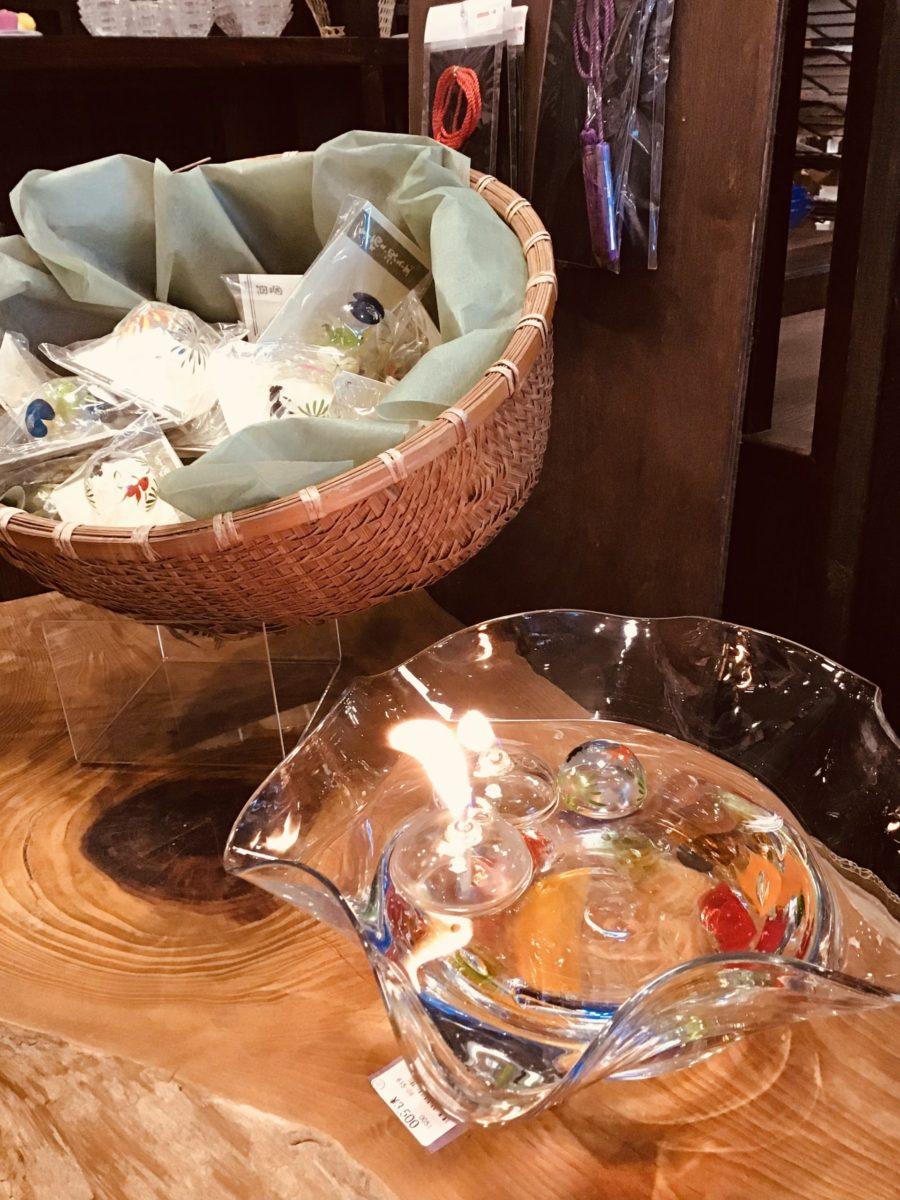 浮き玉と水鉢とフローティングランプ